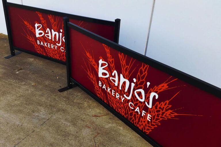 Cafe Barrier - Banjo